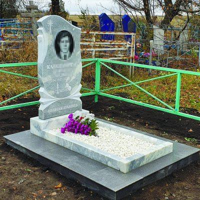 Памятники из мрамора, размер 80×40×8 с установкой 15000 рублей